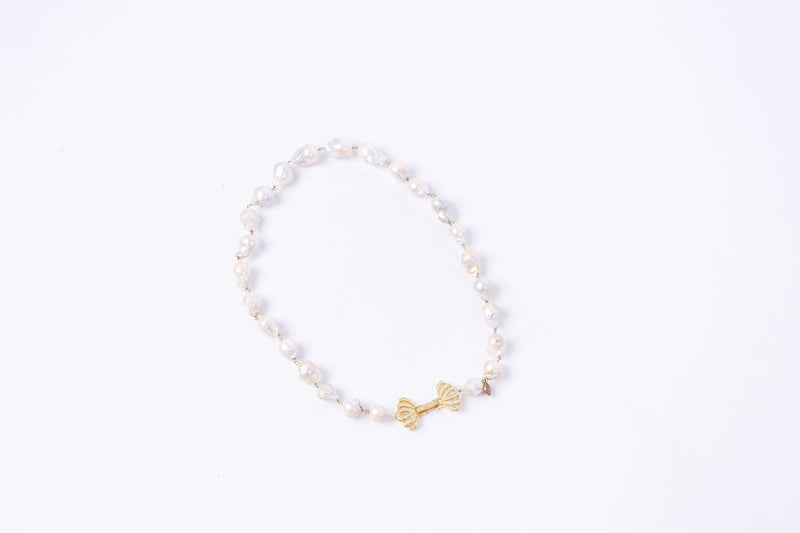 Rhea Baroque Pearl Necklace (Short)