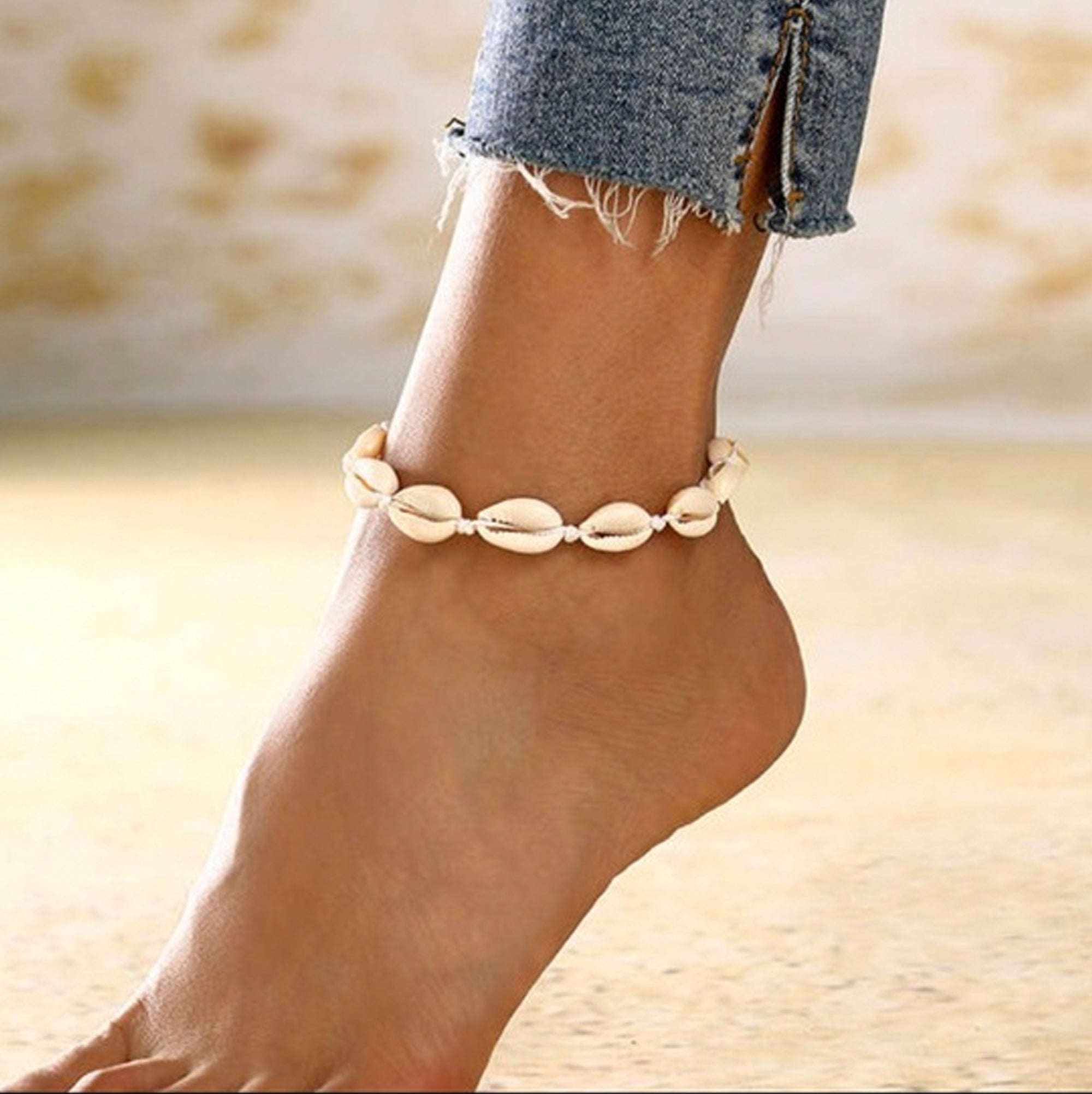 Charming Shark Cowrie Women's Anklet