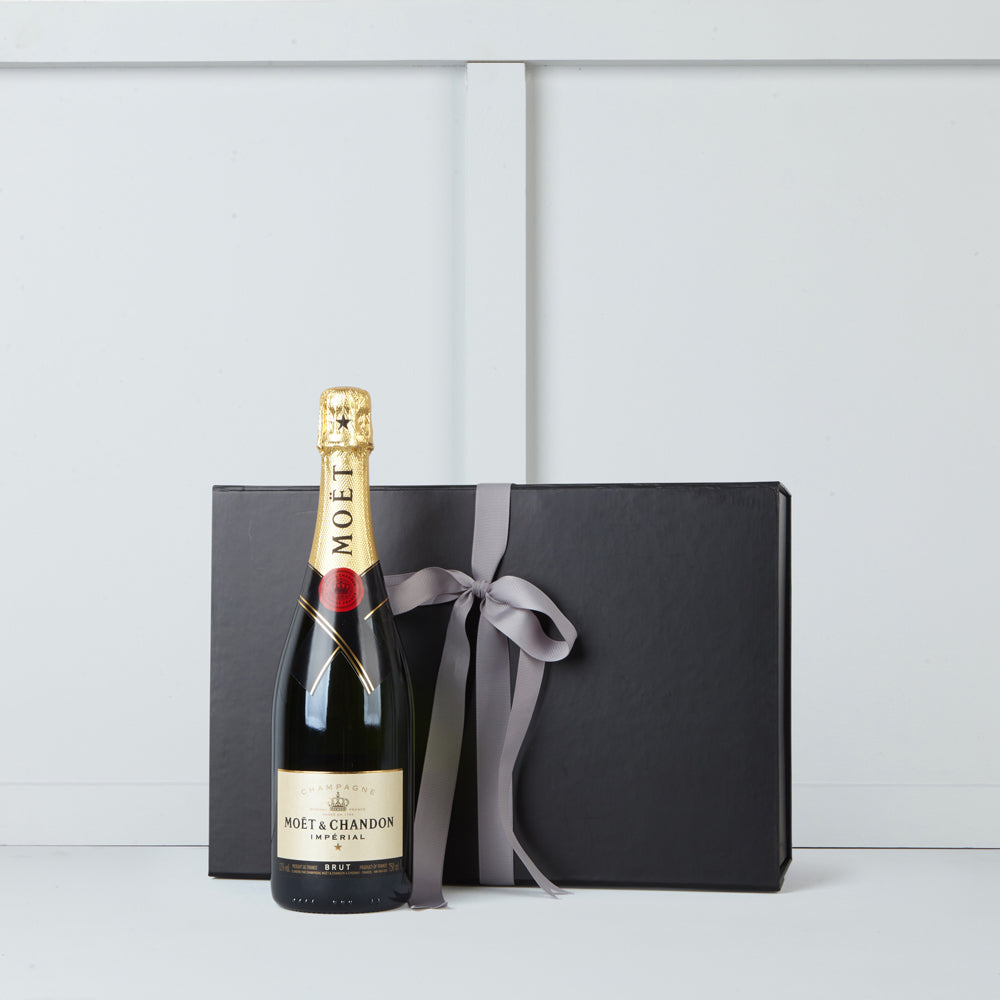 Bottle of Moet et Chandon champagne