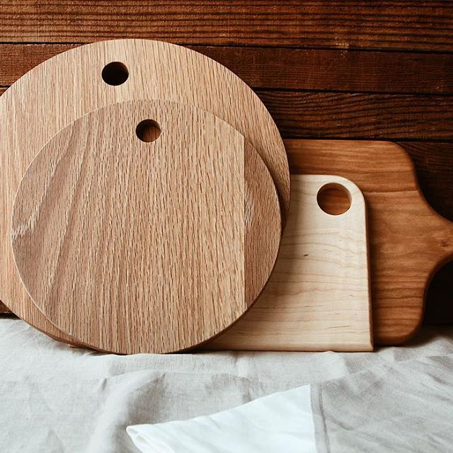 hardwood oak cutting boards made by students at berea college available at storyteller studio