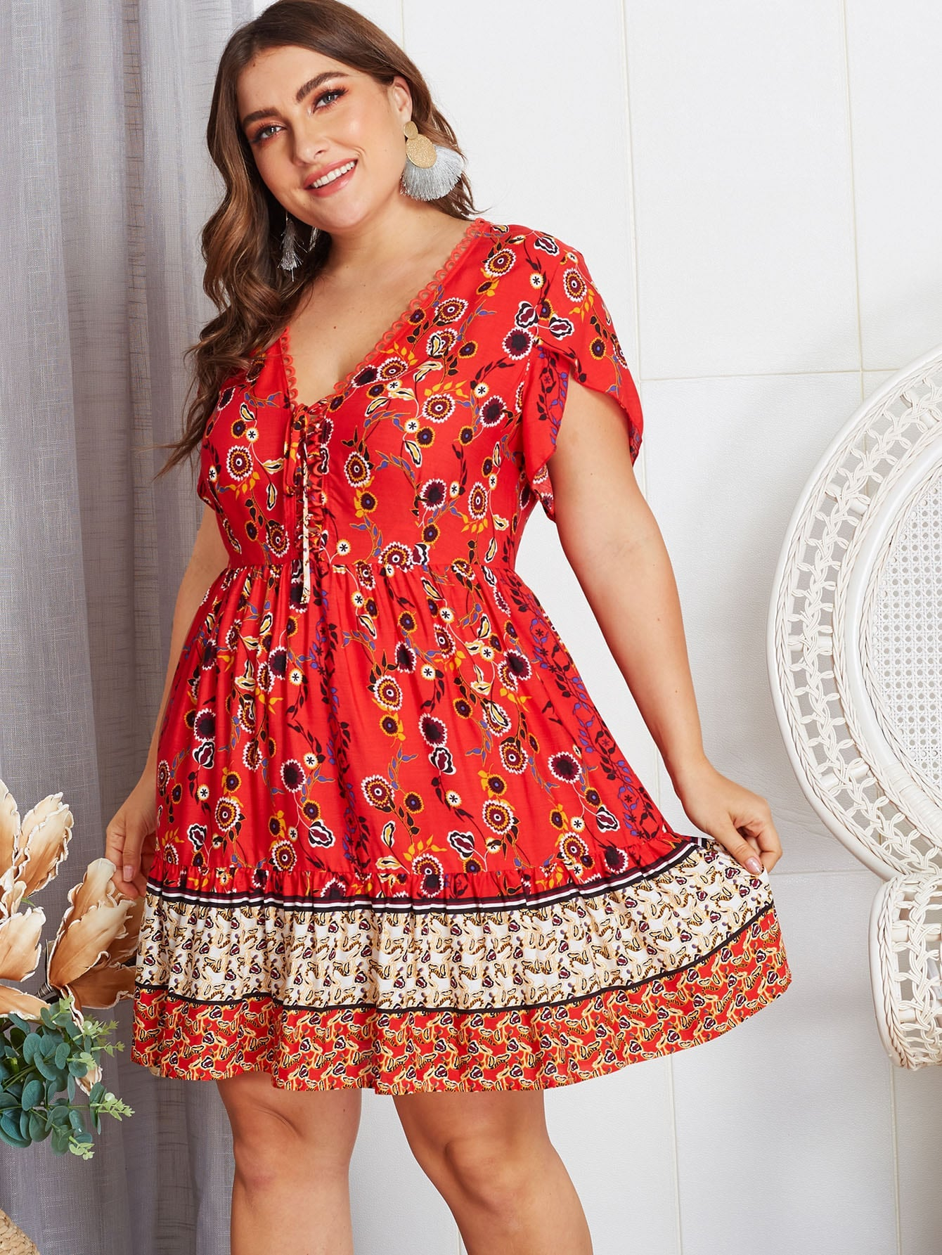 Elegant Plus Size Floral Knot Dress - BrandsGuru