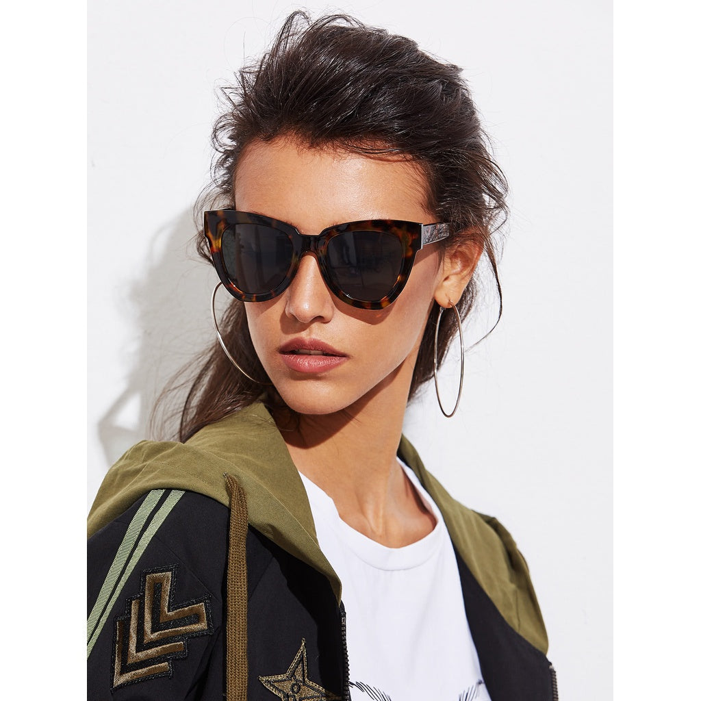 Sizzling Summer Casual Oversized Cat Eye Sunglasses