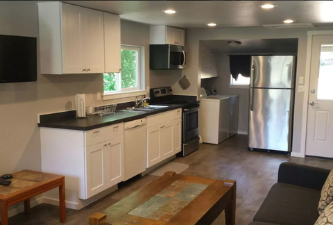 Otter Rock Vacation Rentals – Ossies Surf Shop