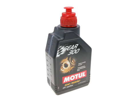 Motul transmission oil Gear 300 transmission and differential fluid 75W90 1 Liter