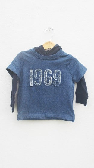 BOYS 1969 APPLIQUE HOOD BY GAP (12-24MONTH)