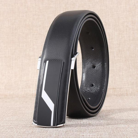 Leather strap with smooth buckle and zigzag pattern