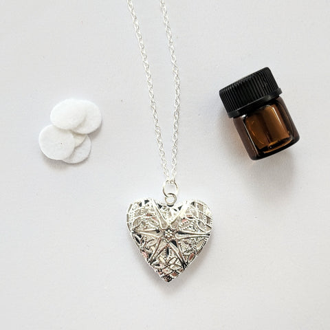 Essential Oil Heart Diffuser Necklace & Oil