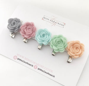 Pastel Small Wool Rose Clip Set