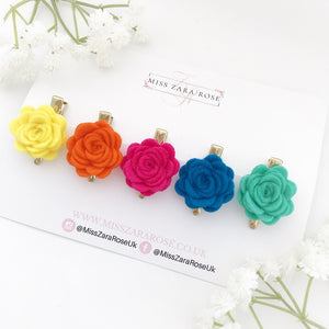 Tropical Small Wool Rose Clip Set