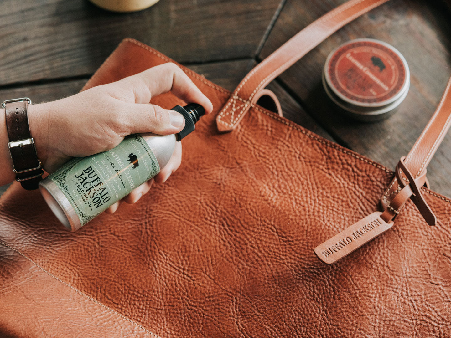 How to Clean a Leather Purse (The Right Way) | Buffalo Jackson