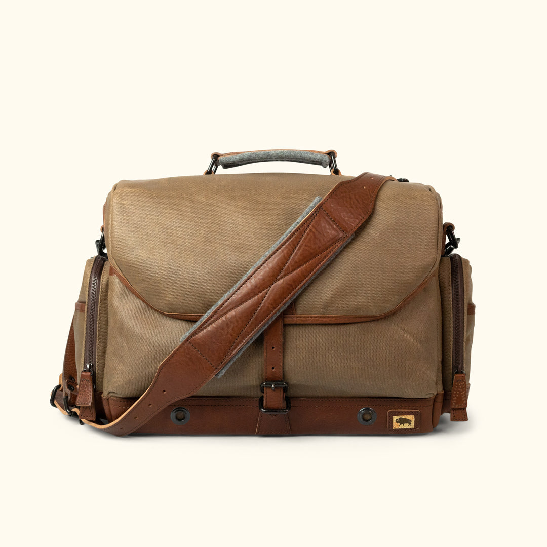 d40de185e44b Dakota Waxed Canvas Messenger Camera Bag