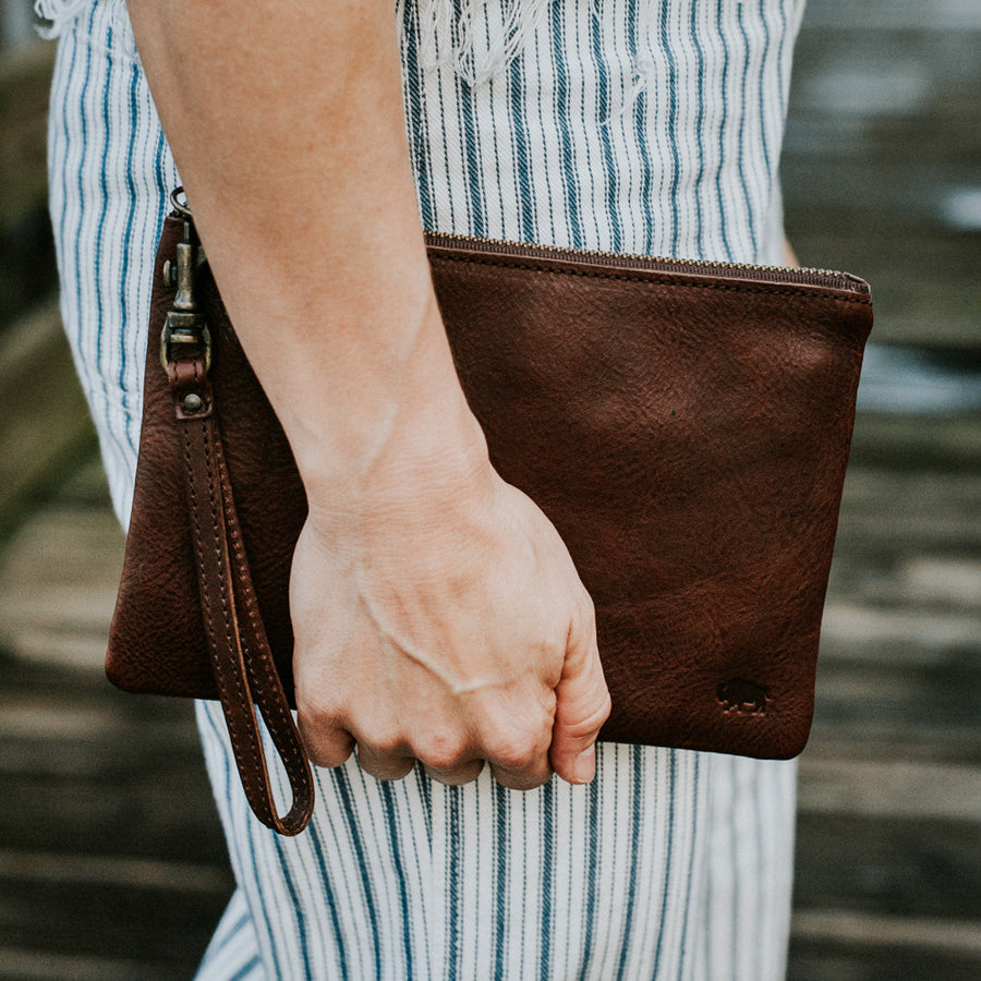 Madison Wristlet Clutch | Dark Hazelnut