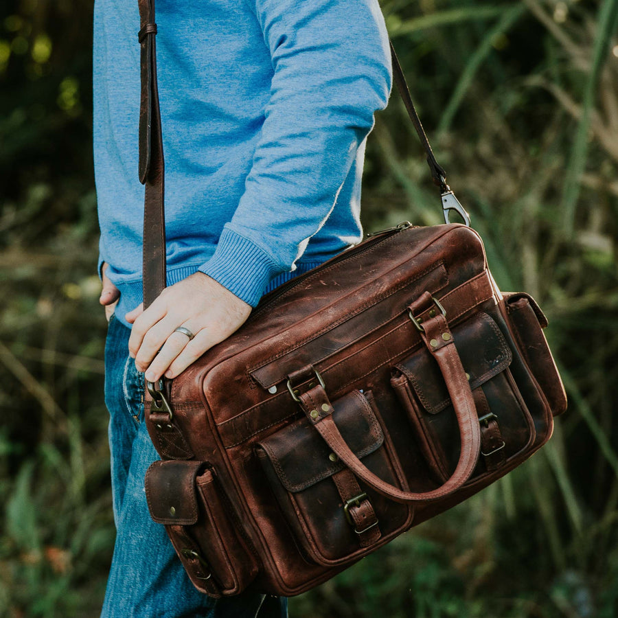 Men's rugged Leather Pilot Bag | Dark Oak front
