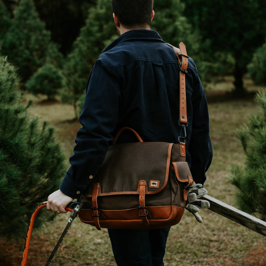 Dakota Waxed Canvas Messenger Bag | Russet Brown w/ Saddle Tan Leather