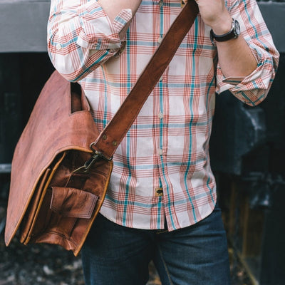 Everett Vintage Leather Messenger Bag hover