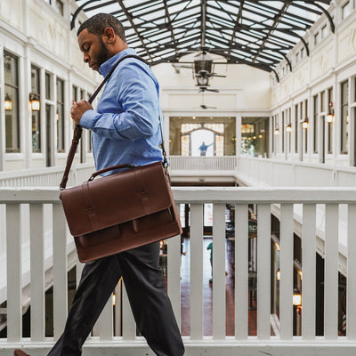 Classic Messenger Bag | Elderwood