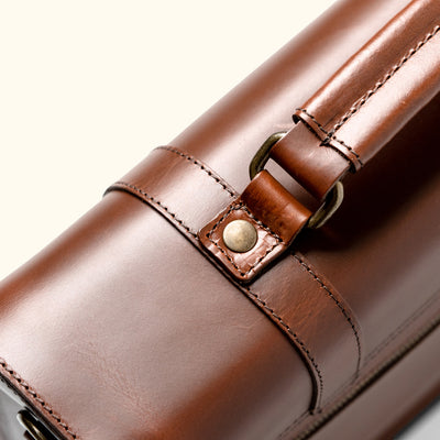Sleek Leather  Messenger Bag | Elderwood