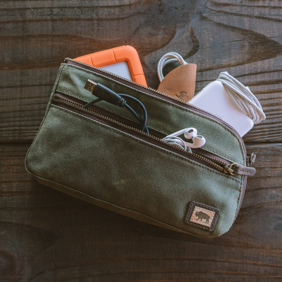 Elkton Waxed Canvas Zipper Gear Pouch - Medium | Green