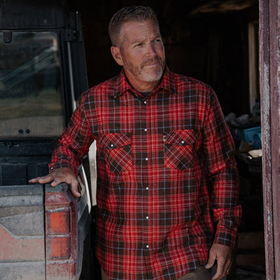 Men's Classic pearl snap flannel shirt - Vintage red hover
