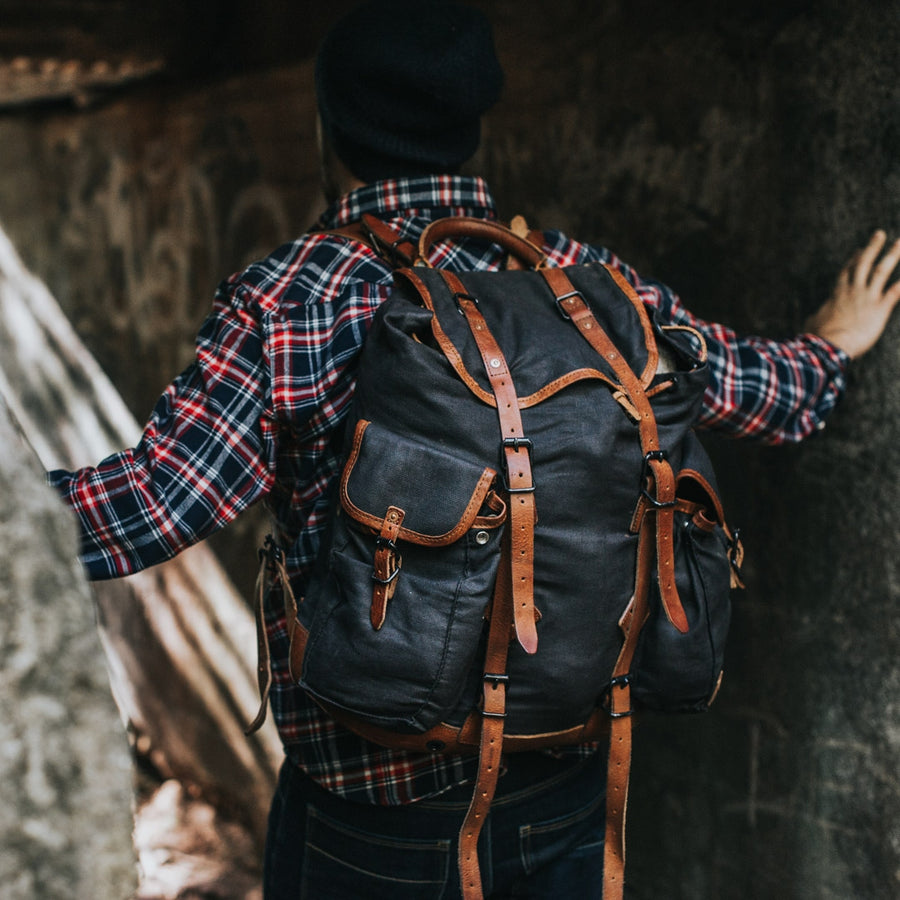 Men's Vintage Canvas Rucksack | Navy Charcoal w/ Saddle Tan Leather