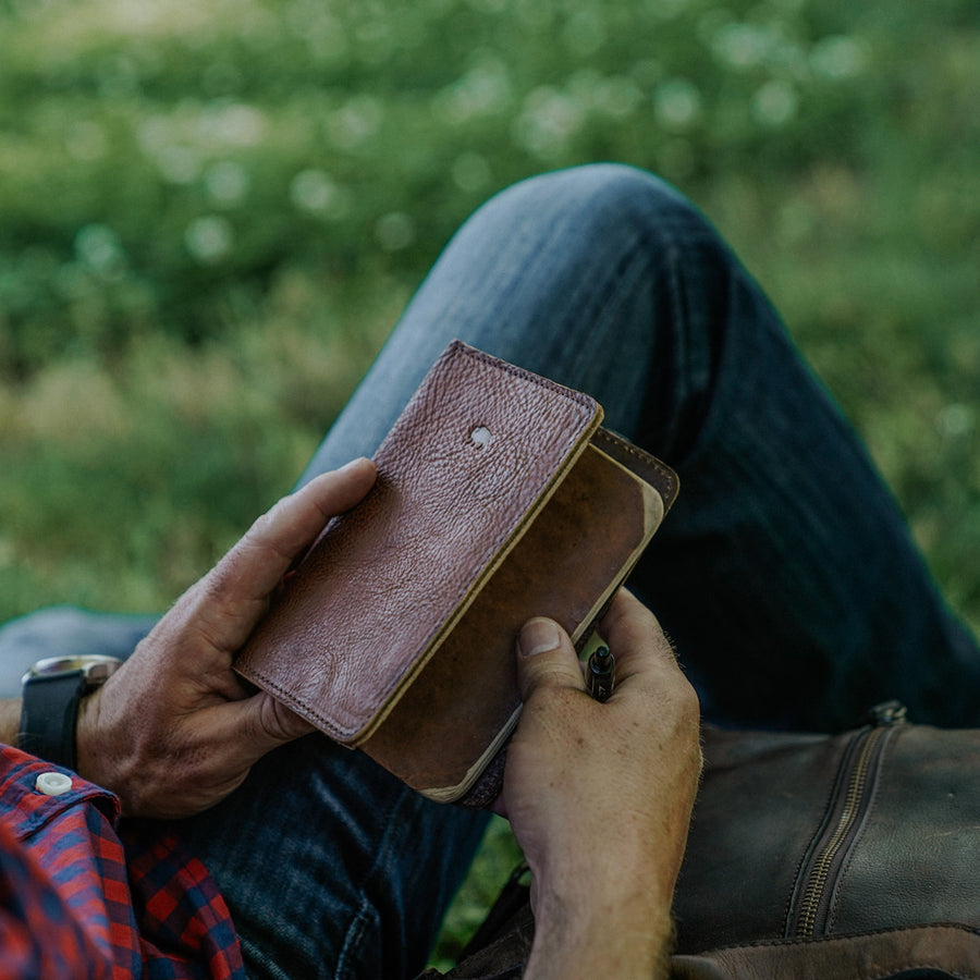 Dakota Leather Field Notes Cover & Travel Wallet | Chestnut Brown