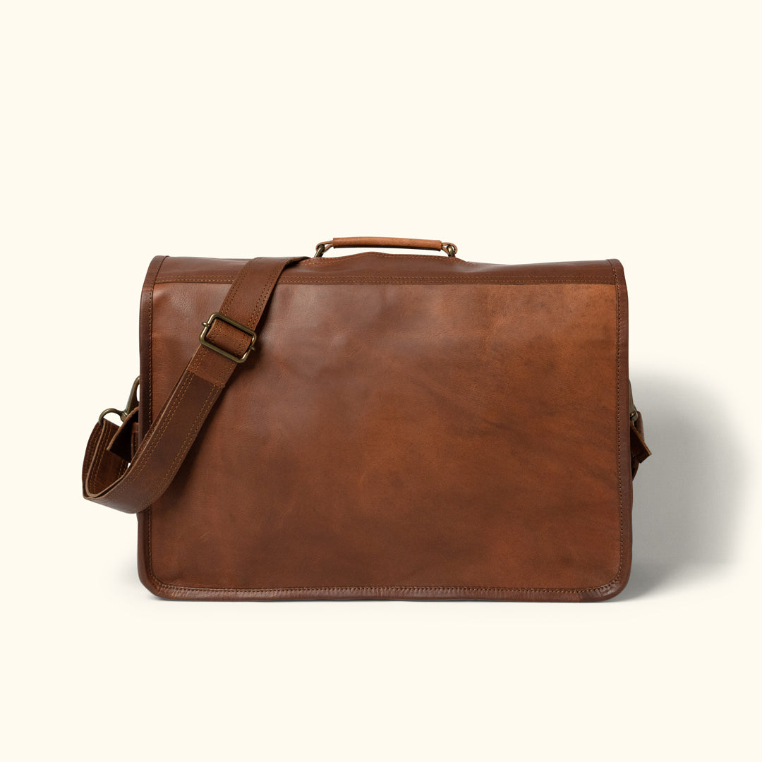 4211841a25c41 Everett Vintage Leather Messenger Bag · v