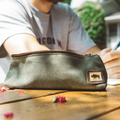 Elkton Waxed Canvas Zipper Pencil Pouch | Green