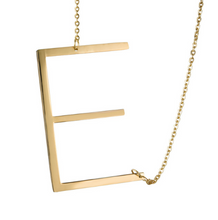 Initial letter necklace gold E