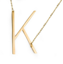 Initial letter necklace gold K