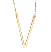 Initial letter necklace gold V