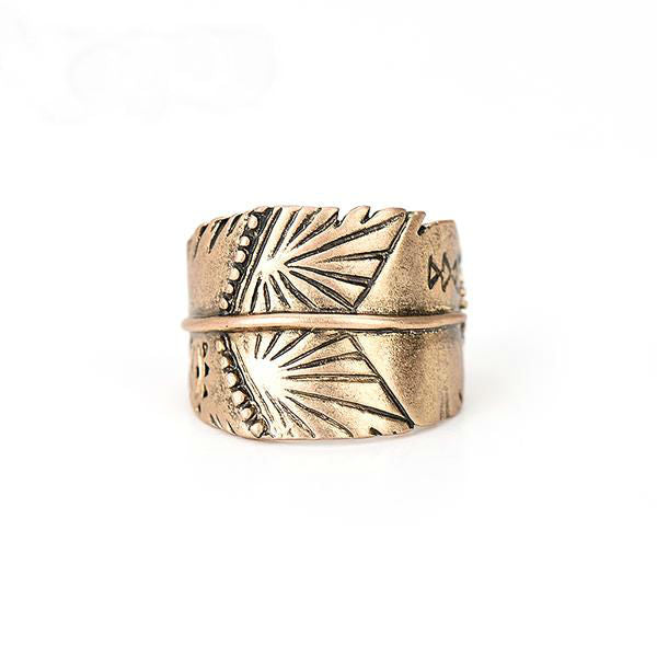Lyra Carved Ring