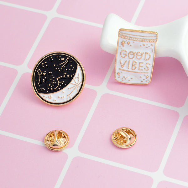 """Good vibes"", Moon Pin"