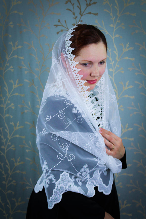 White Mantilla Wrap, White Lace Wedding Shawl, White Mantilla Veil, Chapel Mantilla, White Chapel Veil, Veil Latin Mass, Catholic Veil White by BenedictaBoutique - benedictaveils