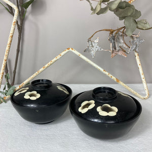 Pair of Japanese bowls