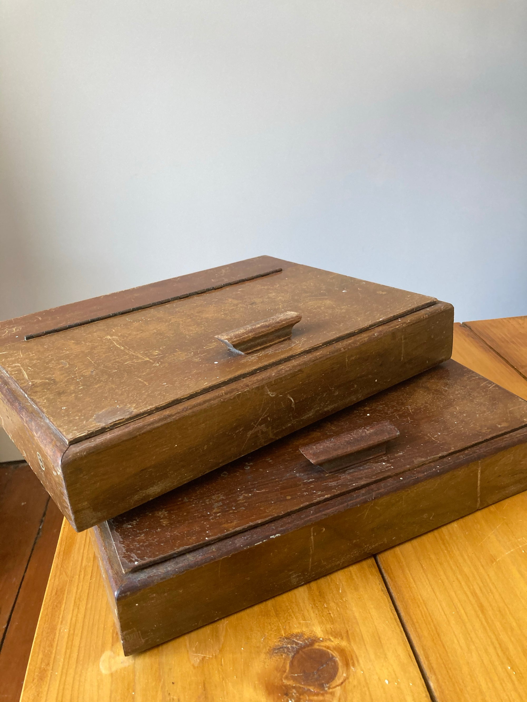 Wooden boxes with lid