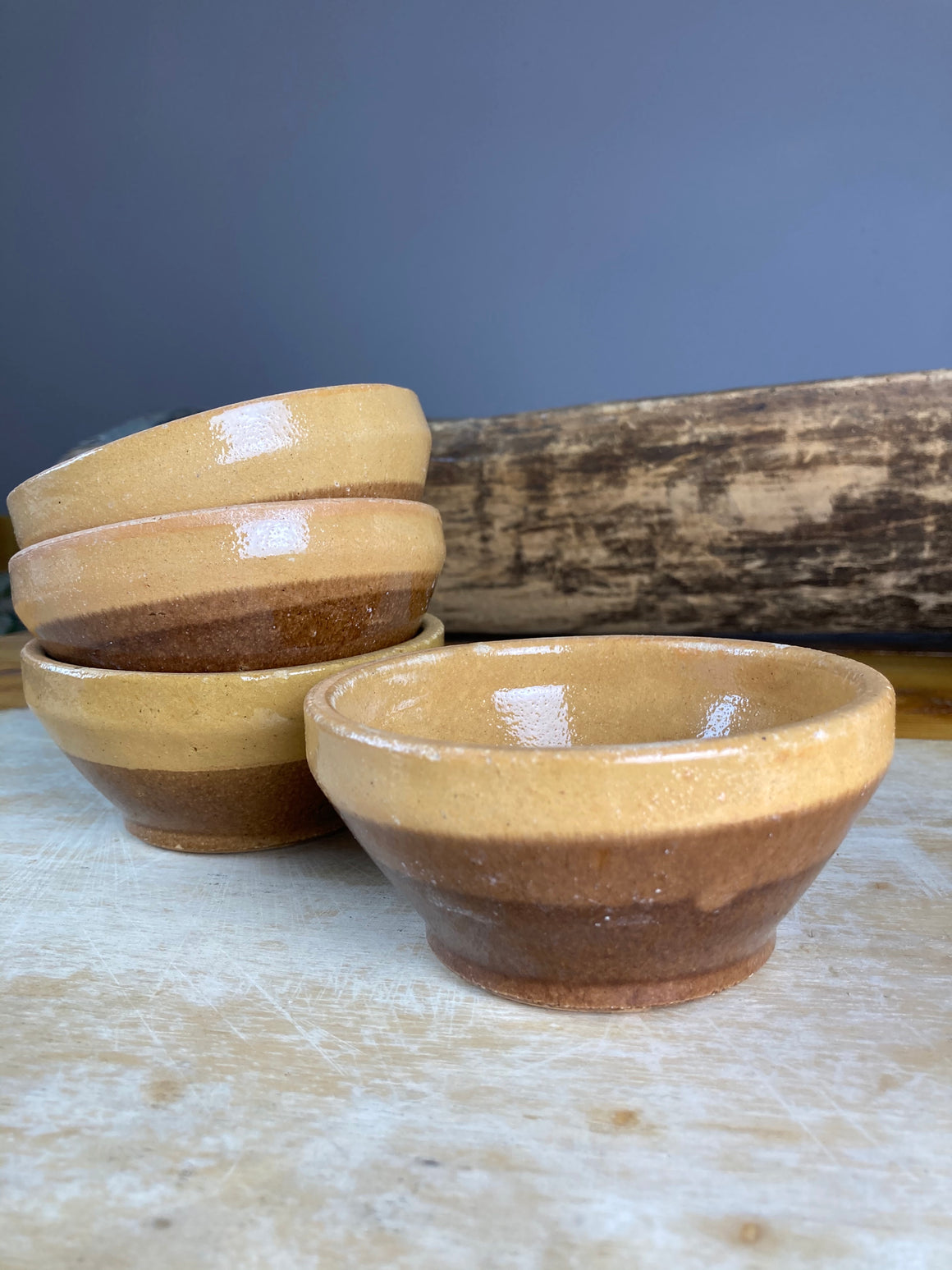 Set of four mini earthenware bowls