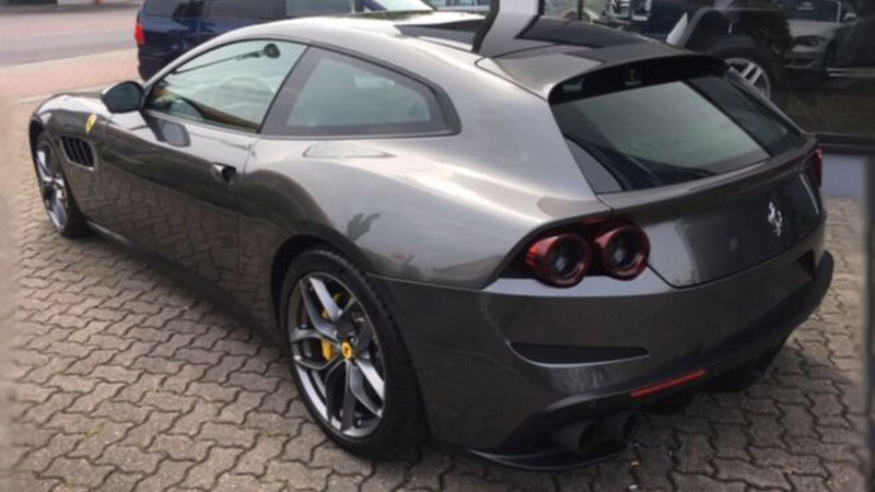 products/BitCars-Ferrari-GTC4-LUSSO-T-2-buy-with-bitcoin.jpg