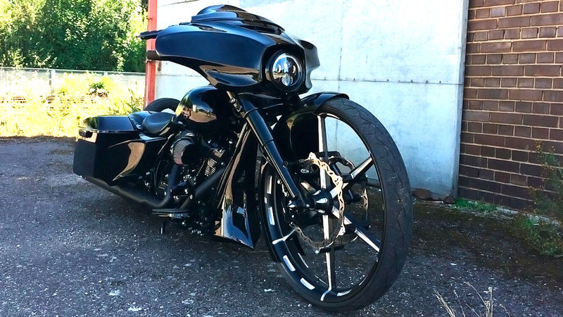 products/BitCars-Harley-Davidson-Street-Glide-FLHXS-124CUI-with-Bitcoin.jpg
