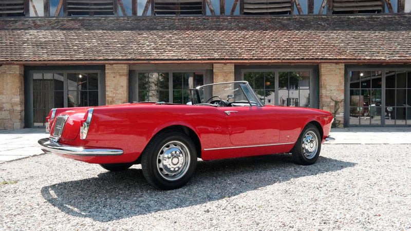 products/MyLambos-Alfa-Romeo-2600-Spider-back-3-bitcoin.jpg