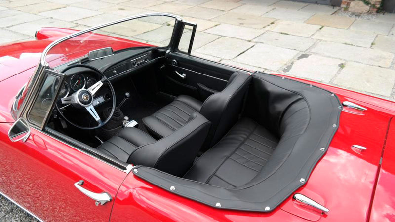 products/MyLambos-Alfa-Romeo-2600-Spider-interior-2-bitcoin.jpg