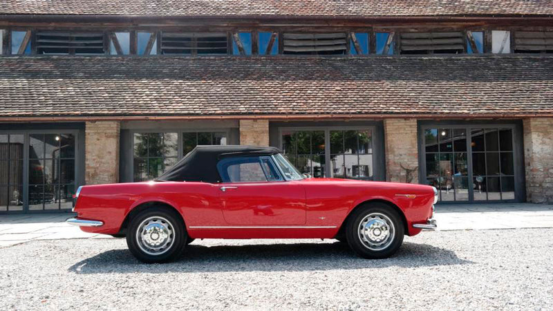 products/MyLambos-Alfa-Romeo-2600-Spider-side-2-bitcoin.jpg