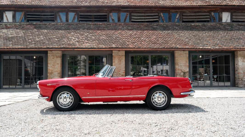 products/MyLambos-Alfa-Romeo-2600-Spider-side-bitcoin.jpg