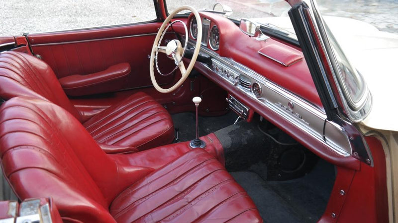 products/MyLambos-Mercedes-300sl-Roadster-1957-interior-3-bitcoin.jpg
