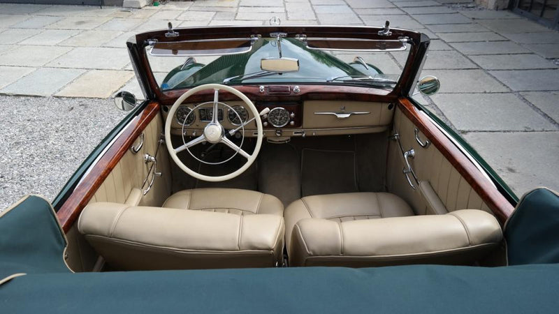 products/MyLambos-Mercedes-Benz-220-Cabriolet-A-interior-4-bitcoin.jpg