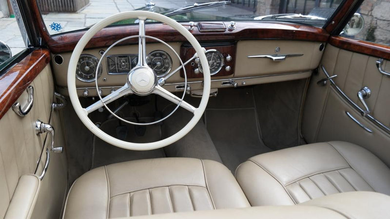 products/MyLambos-Mercedes-Benz-220-Cabriolet-A-interior-bitcoin.jpg