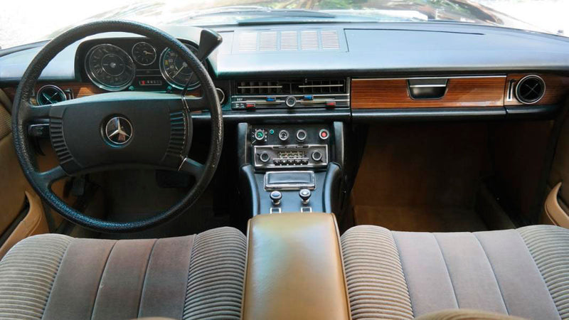 products/MyLambos-Mercedes-Benz-230C-Pullman-interior-6-bitcoin.jpg