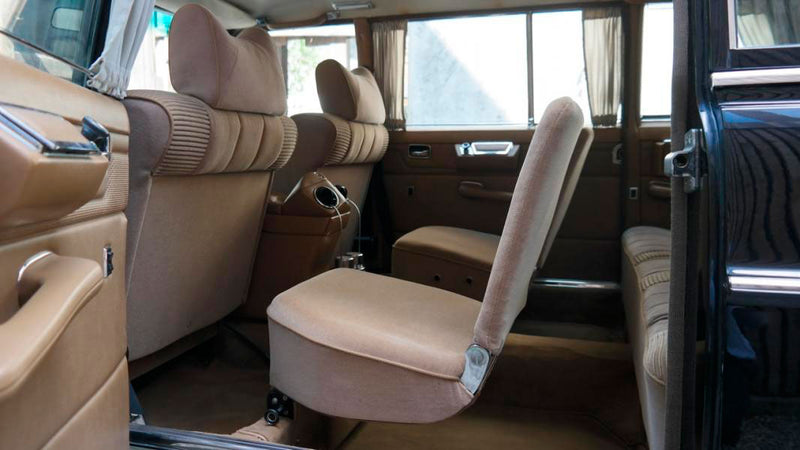 products/MyLambos-Mercedes-Benz-230C-Pullman-interior-bitcoin.jpg