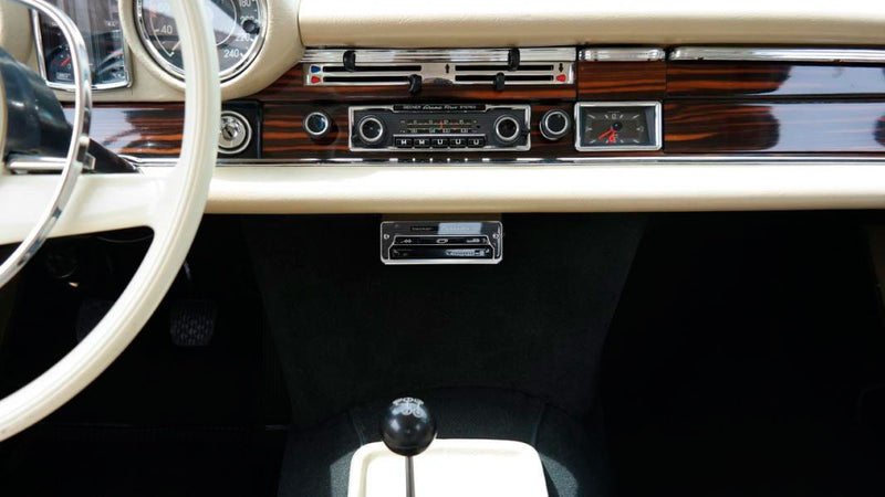products/MyLambos-Mercedes-Benz-280-SE-3.5-Coupe-Mid-Blue-interior-4-bitcoin.jpg