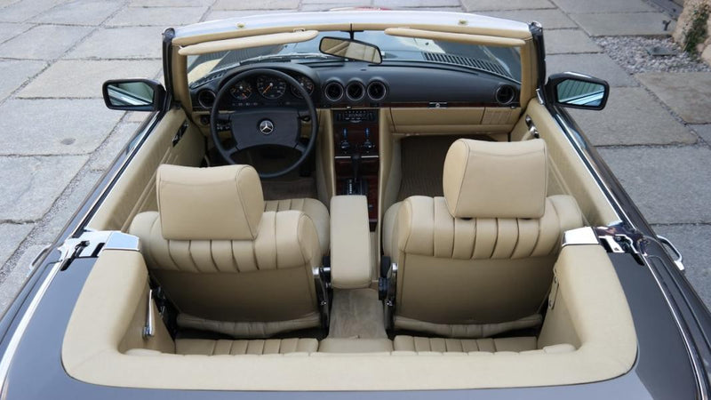 products/MyLambos-Mercedes-Benz-280-SL-interior-2-bitcoin.jpg