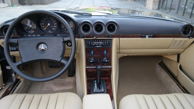 products/MyLambos-Mercedes-Benz-280-SL-interior-3-bitcoin.jpg